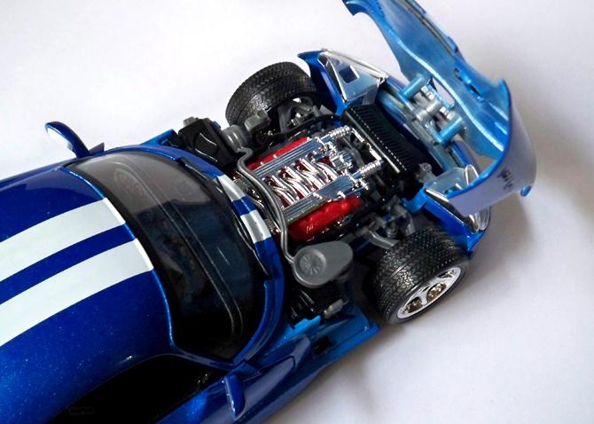Dodge Viper GTS Coupe – Bburago – xDiecast