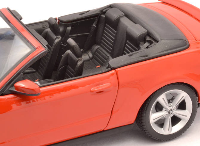 Ford Mustang GT Convertible 2010 – Maisto – xDiecast