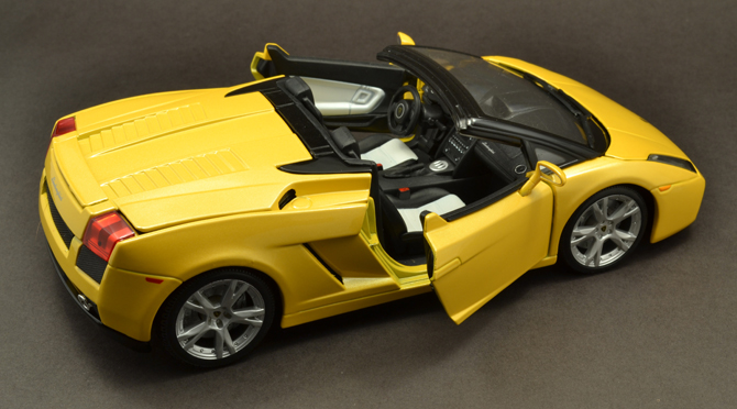 Lamborghini Gallardo Roadster - Seats
