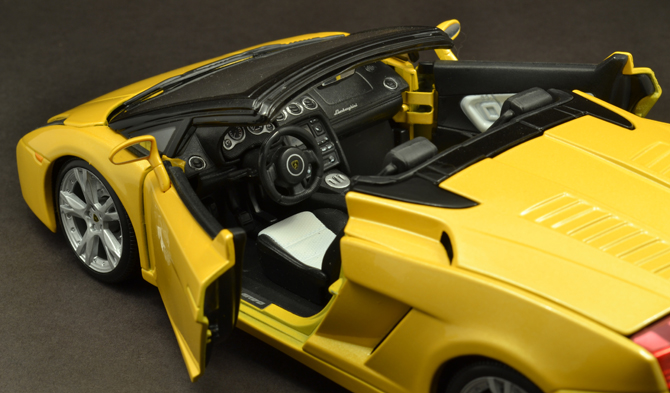 Lamborghini Gallardo Roadster - Interior