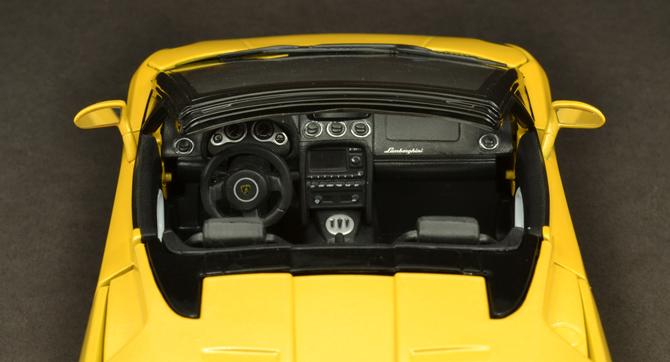 Lamborghini Gallardo Roadster - Instrument console