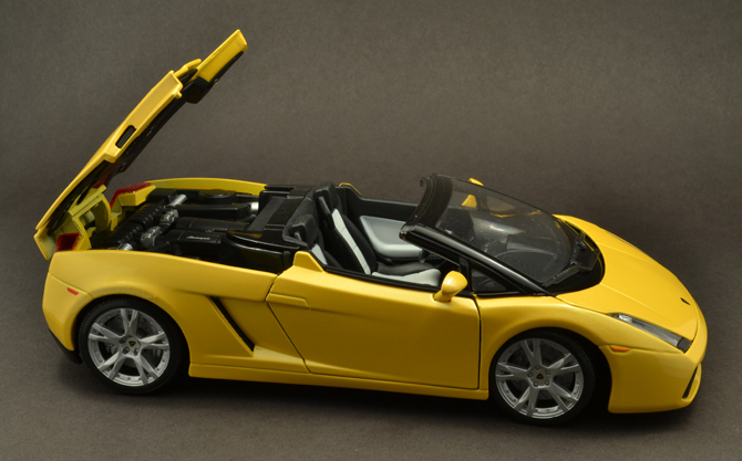 Lamborghini Gallardo Roadster - Engine hood