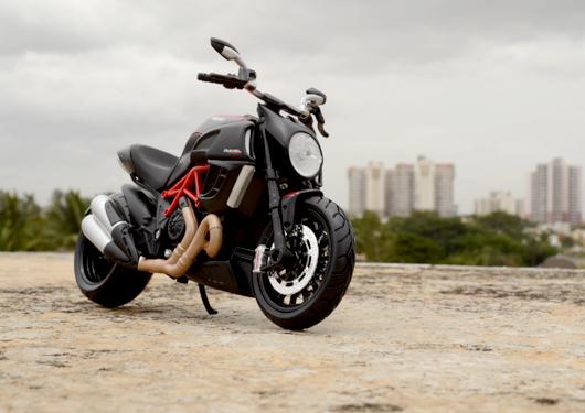 Ducati Diavel Carbon – Maisto