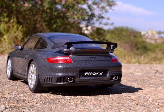 Porsche 911(997) GT2 – AUTOart