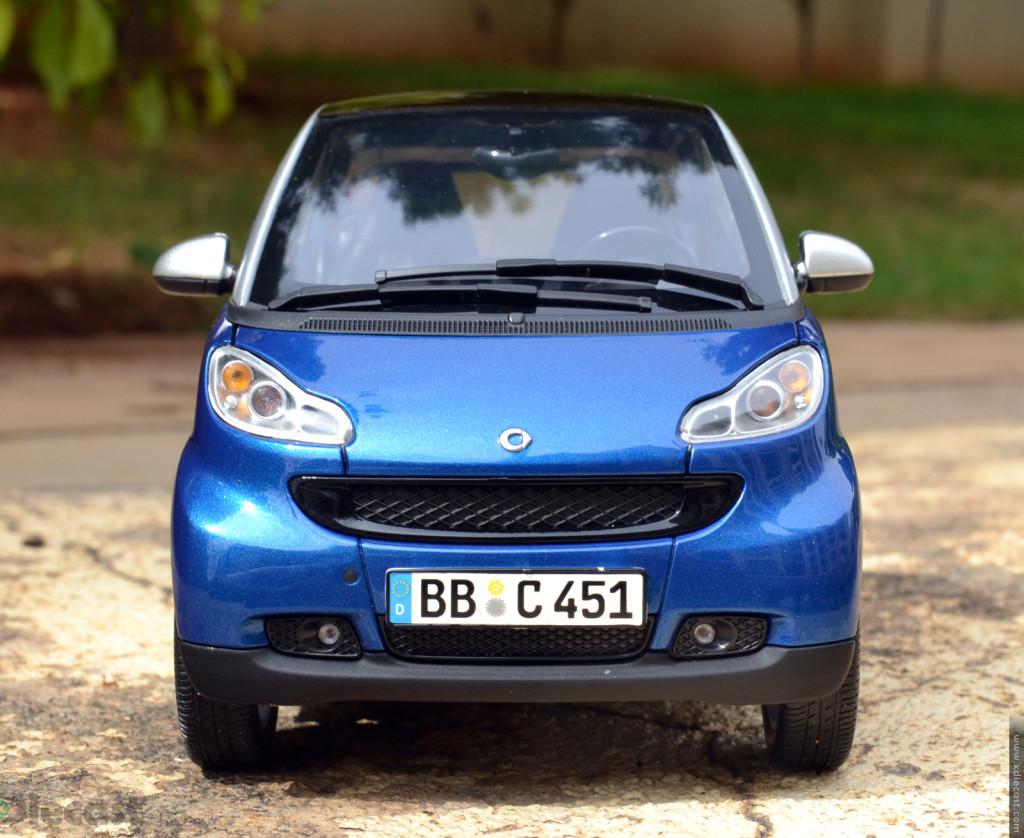 minichamps 2007 smart fortwo coupe diecast car review. Black Bedroom Furniture Sets. Home Design Ideas