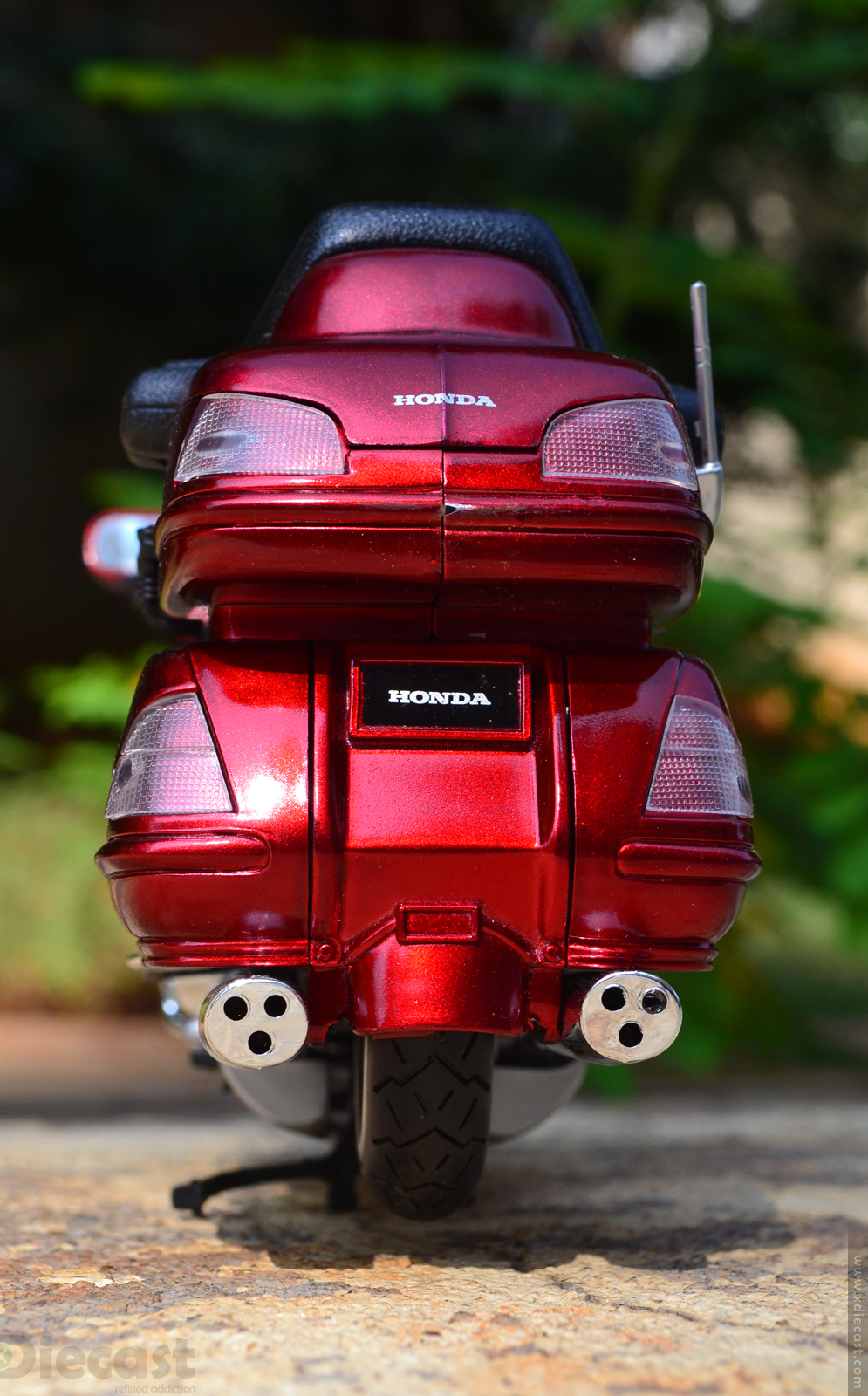 1:12 NewRay Honda Gold Wing 2010 - Rear