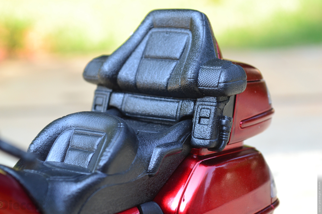 1:12 NewRay Honda Gold Wing 2010 - Seats
