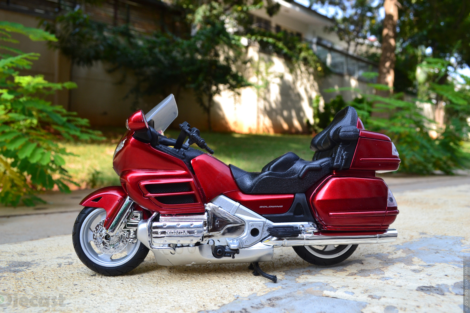 1:12 NewRay Honda Gold Wing 2010 -  Profile