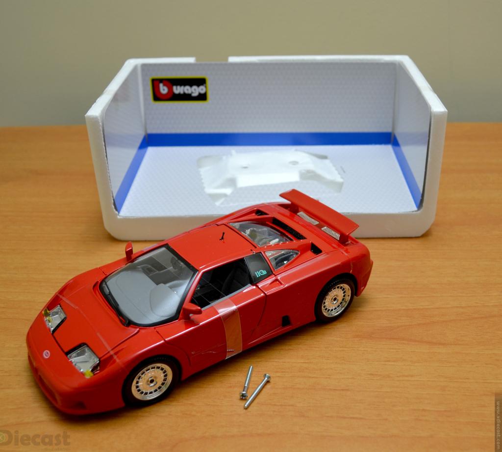 Bburago 1:18 Bugatti  EB110 - Unboxed