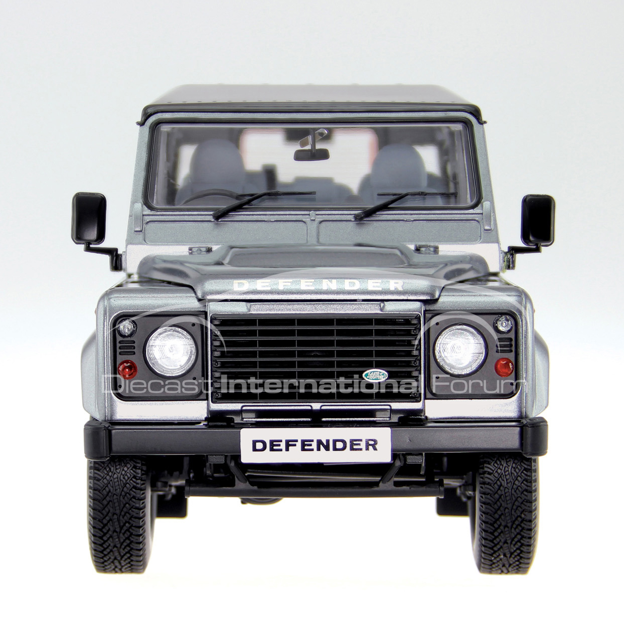 1 18 Land Rover Defender 110 Launched By Century Dragon