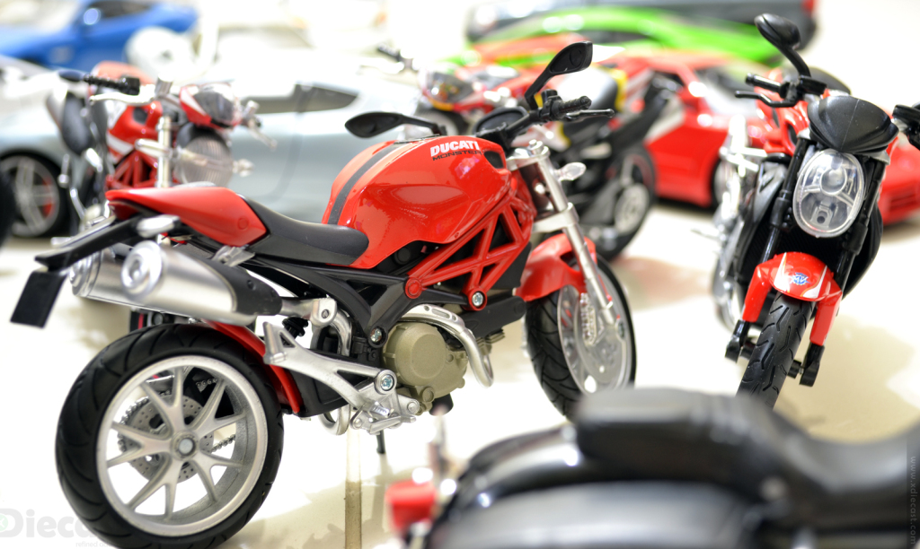 Ducati Monster 1100 - NewRay