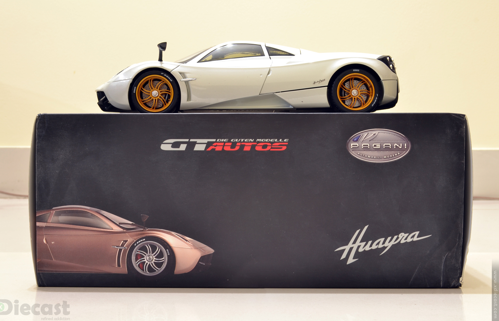 Welly Gt Autos 1 18 Pagani Huayra Unboxed Xdiecast