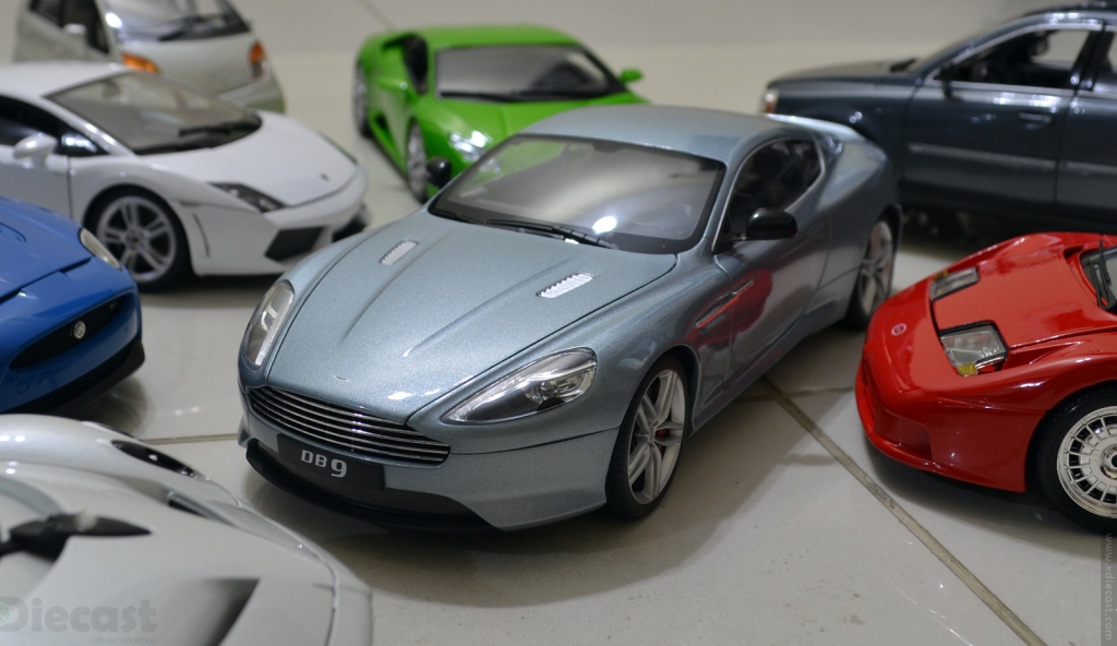 Welly NEX Aston Martin DB9 2013