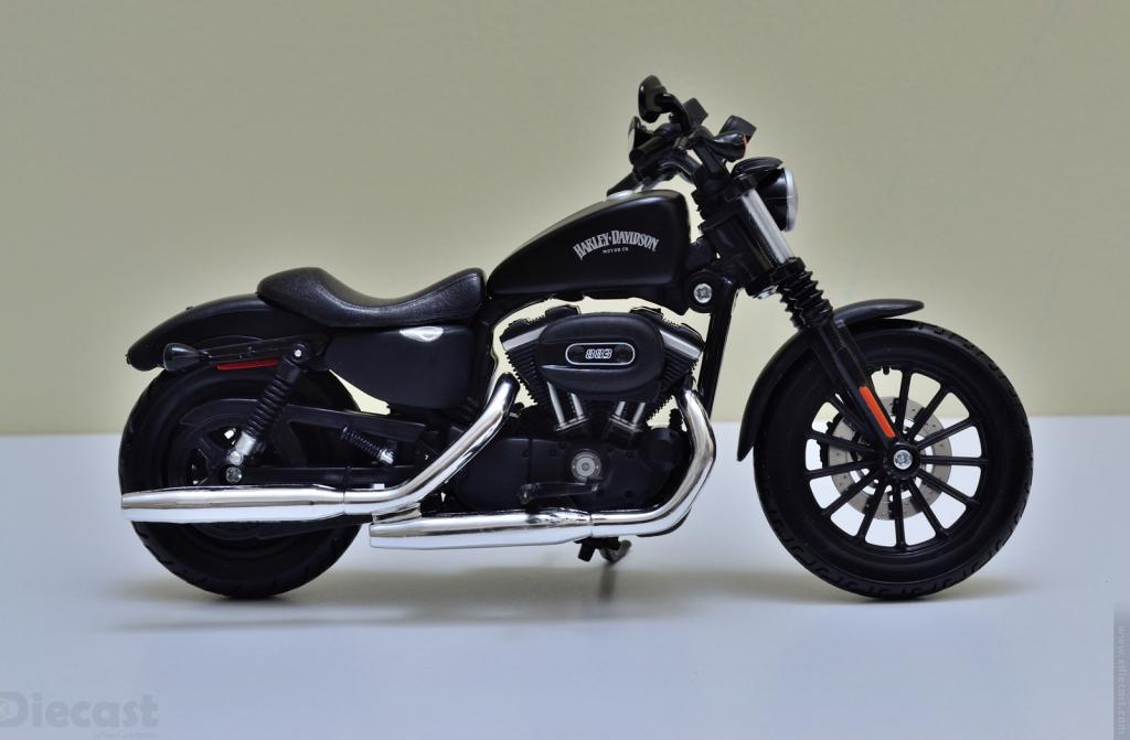 Maisto 1:12 Harley Davidson 2014 Sportster Iron 883 - Profile
