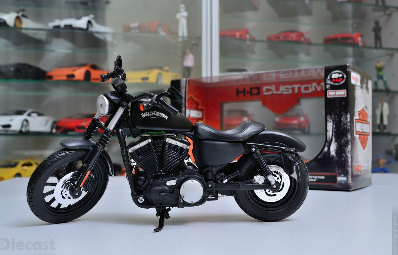 Maisto 1:12 Harley Davidson 2014 Sportster Iron 883 - Out of Box