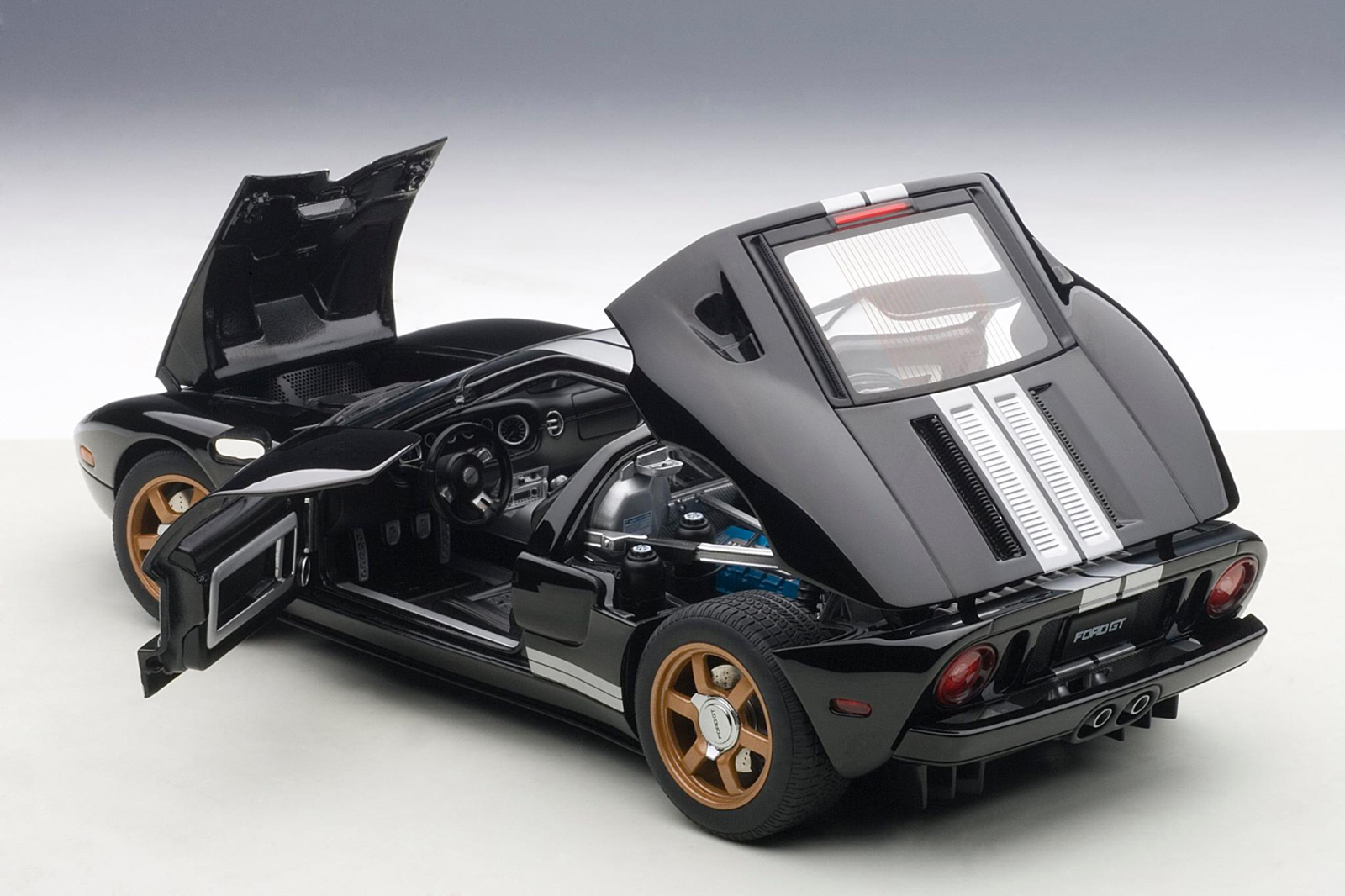 Autoart To Re Release Ford Gt 2004 In Red And Black Xdiecast