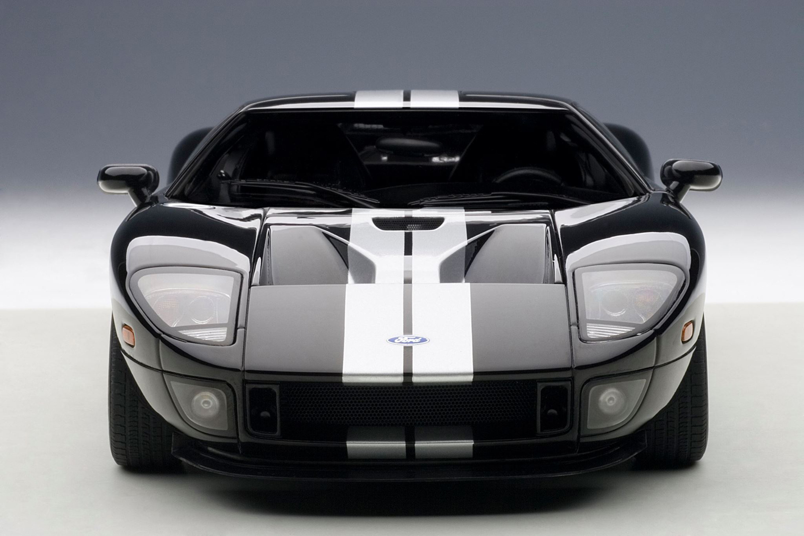 Front View Autoart  Ford Gt  Black