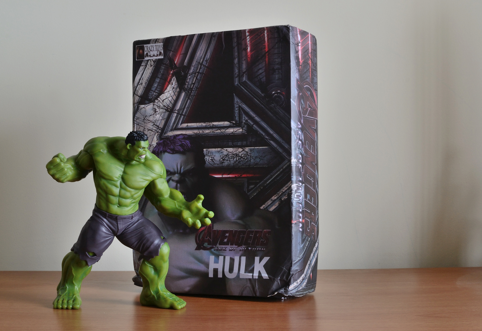 Crazy Toys Avengers - Age of Ultron Hulk Figure  - Unbox