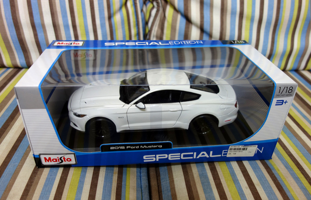 Maisto 1:18 Ford Mustang 2015 - Boxed