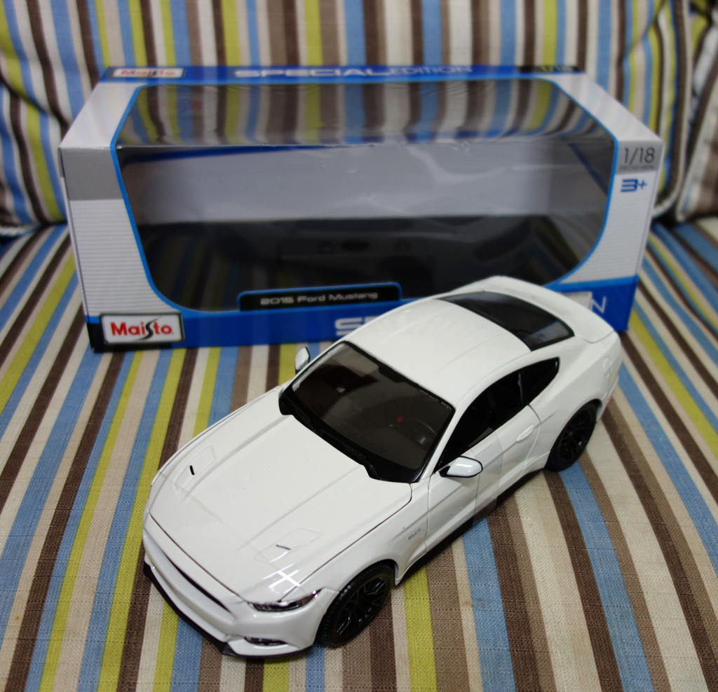 Maisto 1:18 Ford Mustang 2015