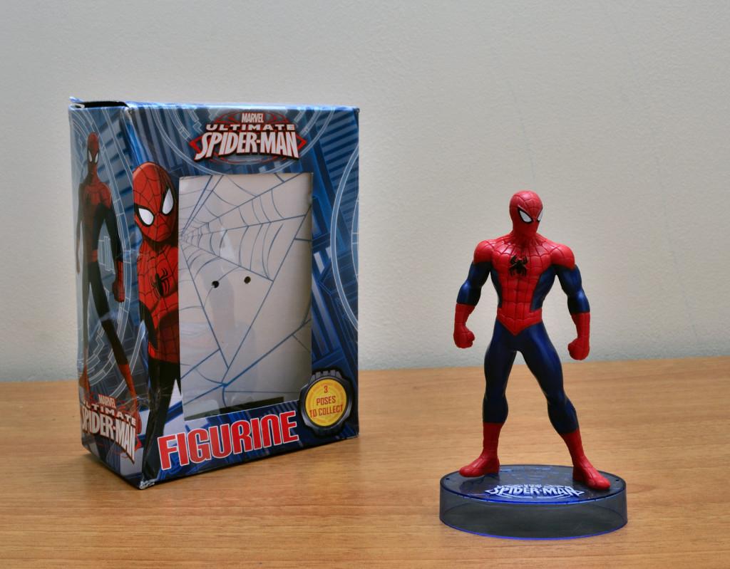 Marvel Ultimate Spiderman Figurine – Unboxed