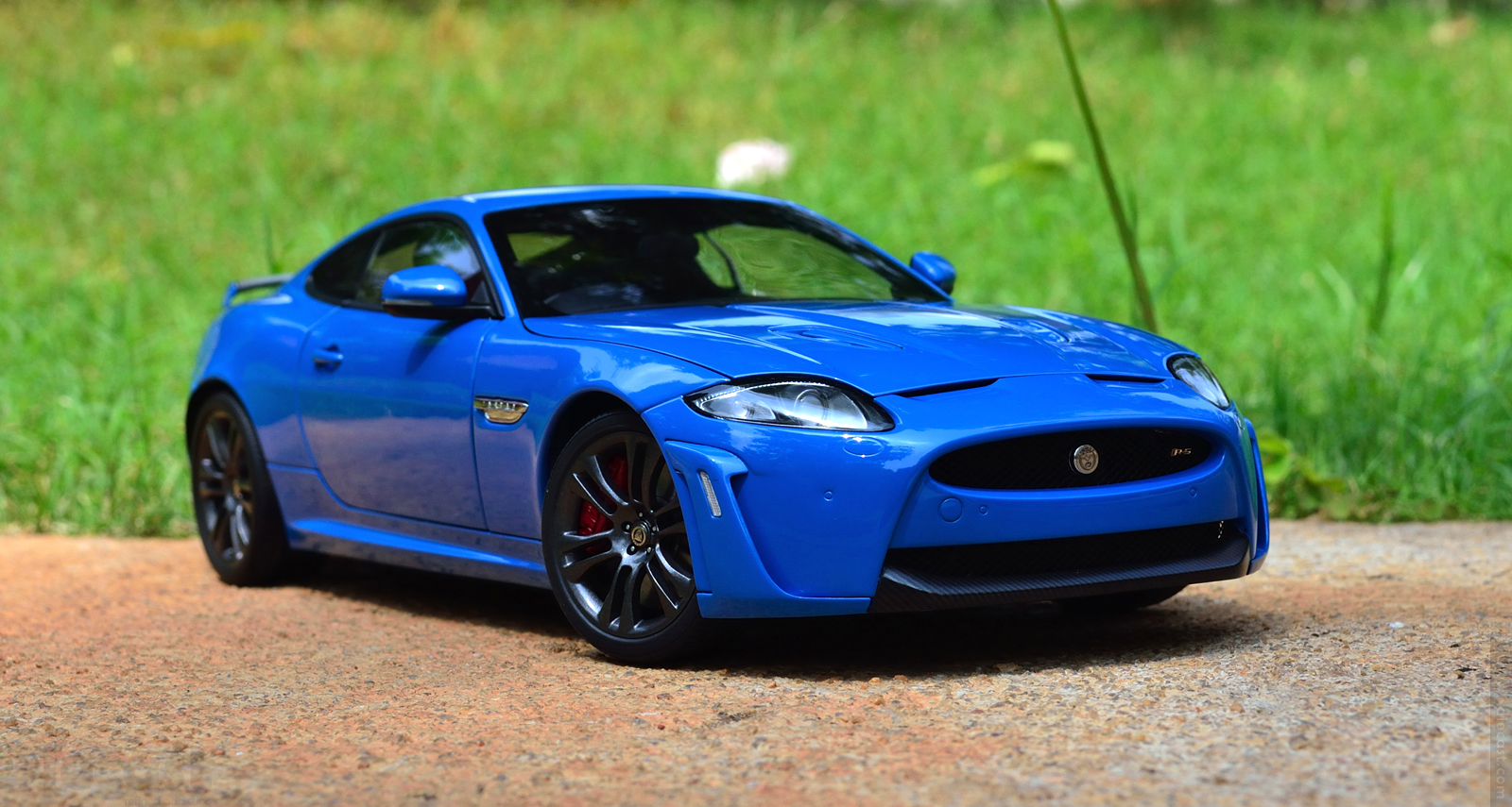Autoart Jaguar Xkr S Coupe Diecast Car Review Xdiecast