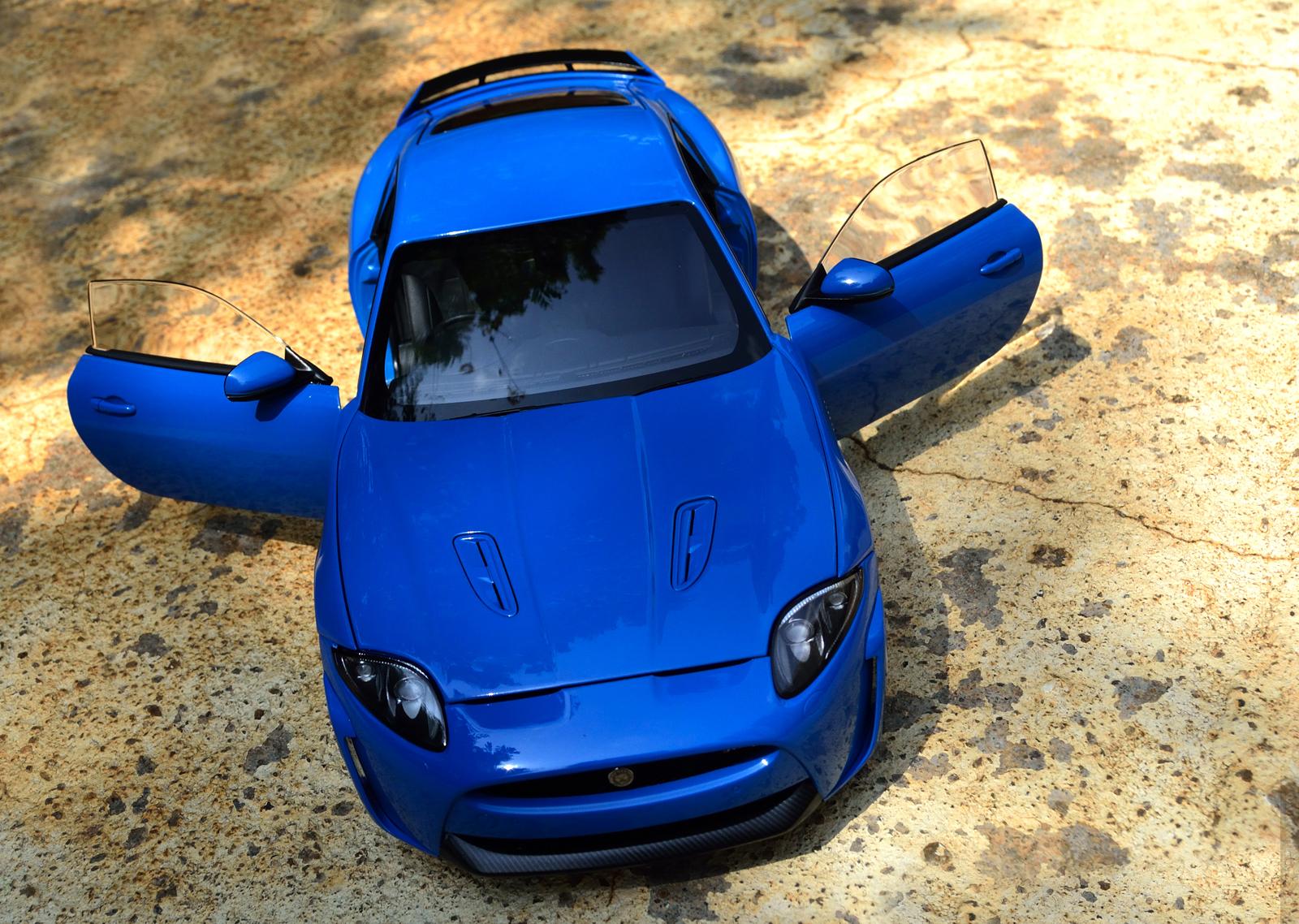 AUTOart Jaguar XKR-S - Open Doors