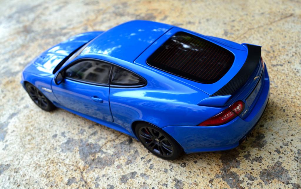 AUTOart Jaguar XKR-S - Rear