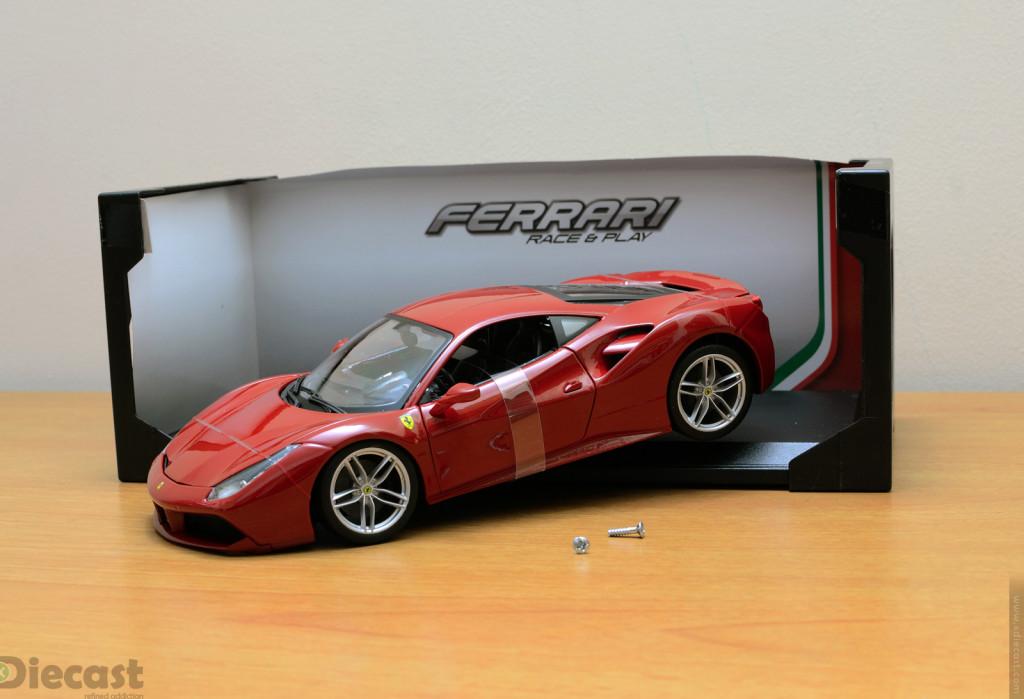 Bburago 1:18 Ferrari 488 GTB - Unboxed