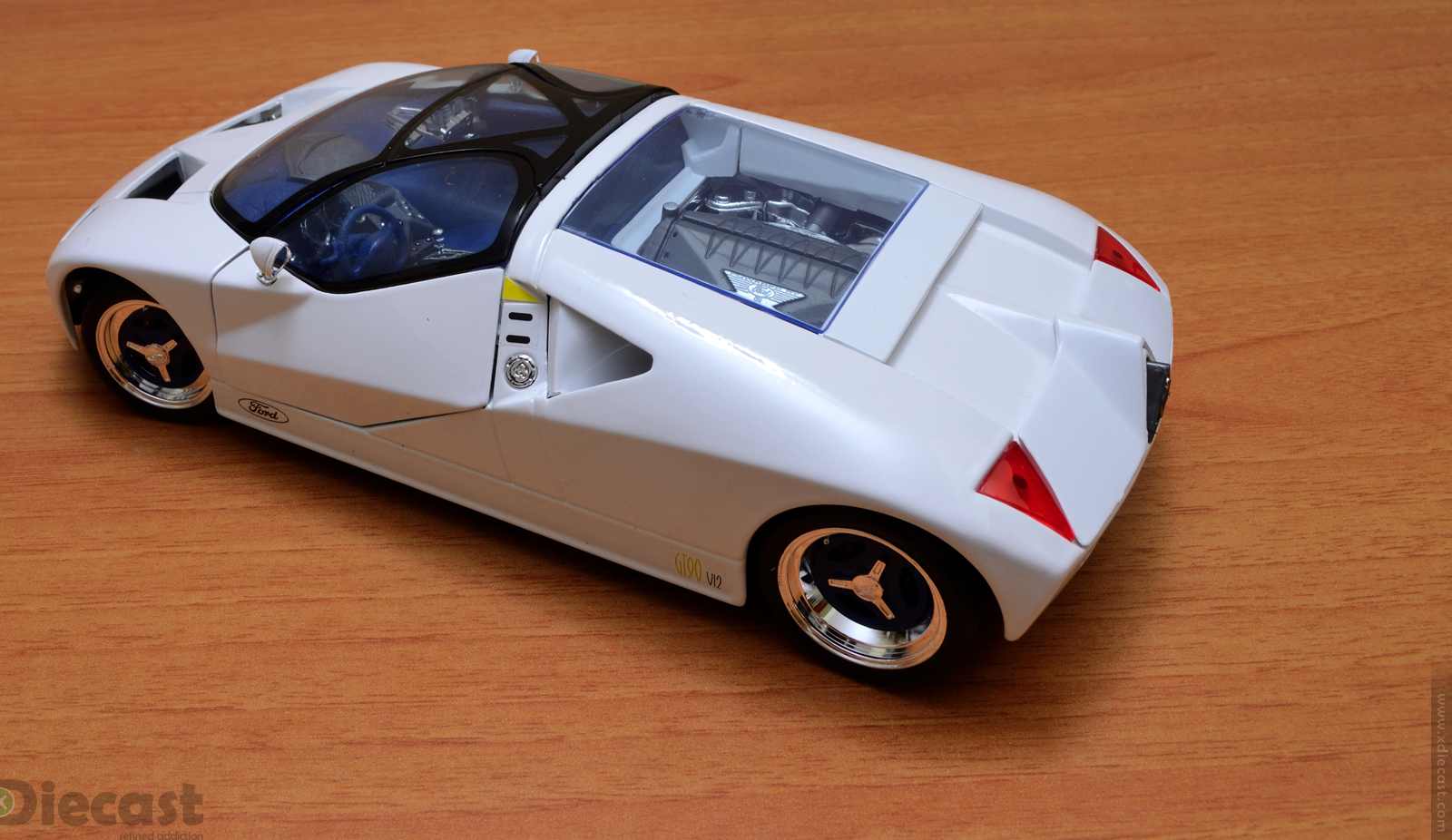maisto 1:18 ford gt90 concept – unboxed – xdiecast