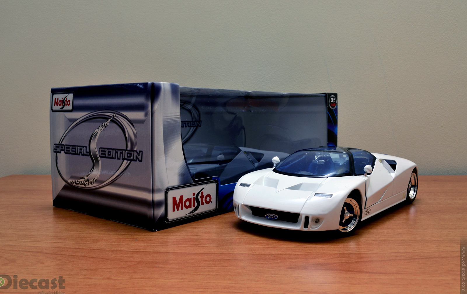 Maisto  Ford Gt Concept Unboxed
