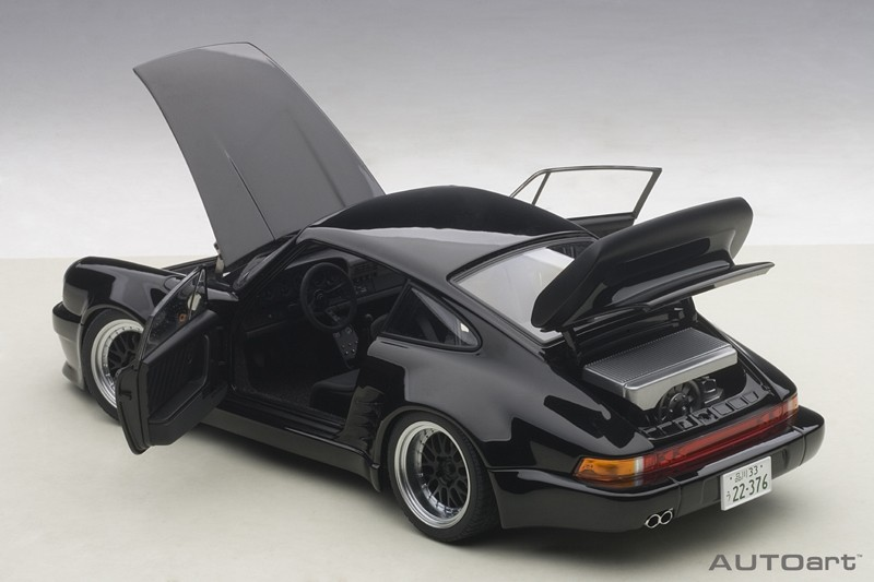 AUTOart Wangan Midnight Black Bird Porsche 911(930)- Feature/Doors