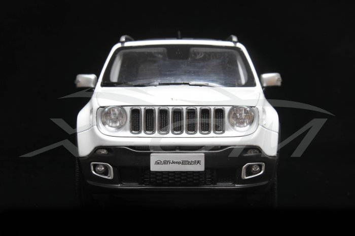1:18 Jeep Renegade - White