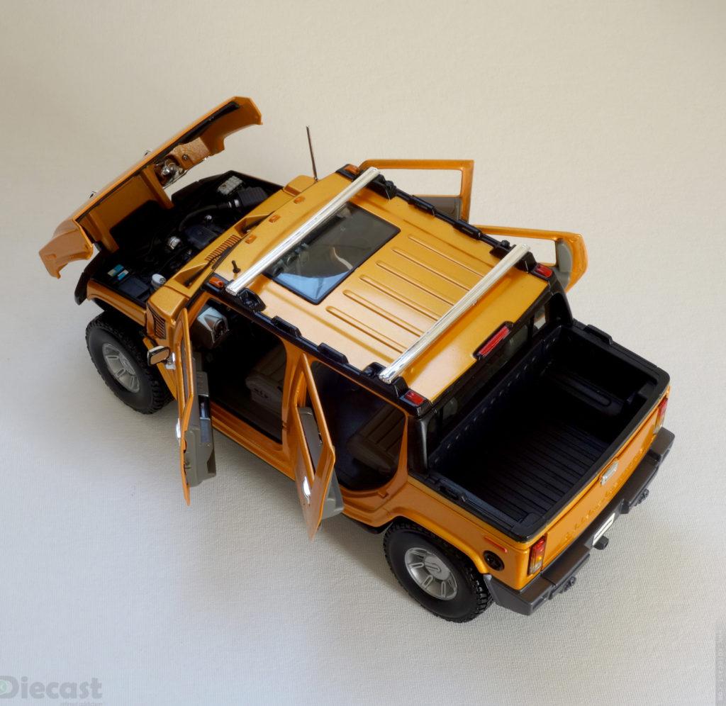 Maisto 1:18 Hummer H2 SUT - Rear