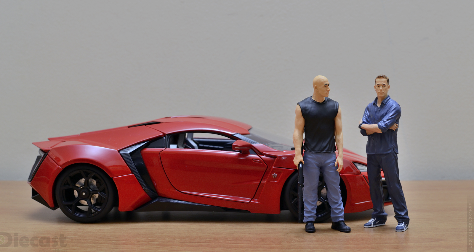 figure union 1 18 fast and furious figurines of dom and brian unboxed xdiecast. Black Bedroom Furniture Sets. Home Design Ideas