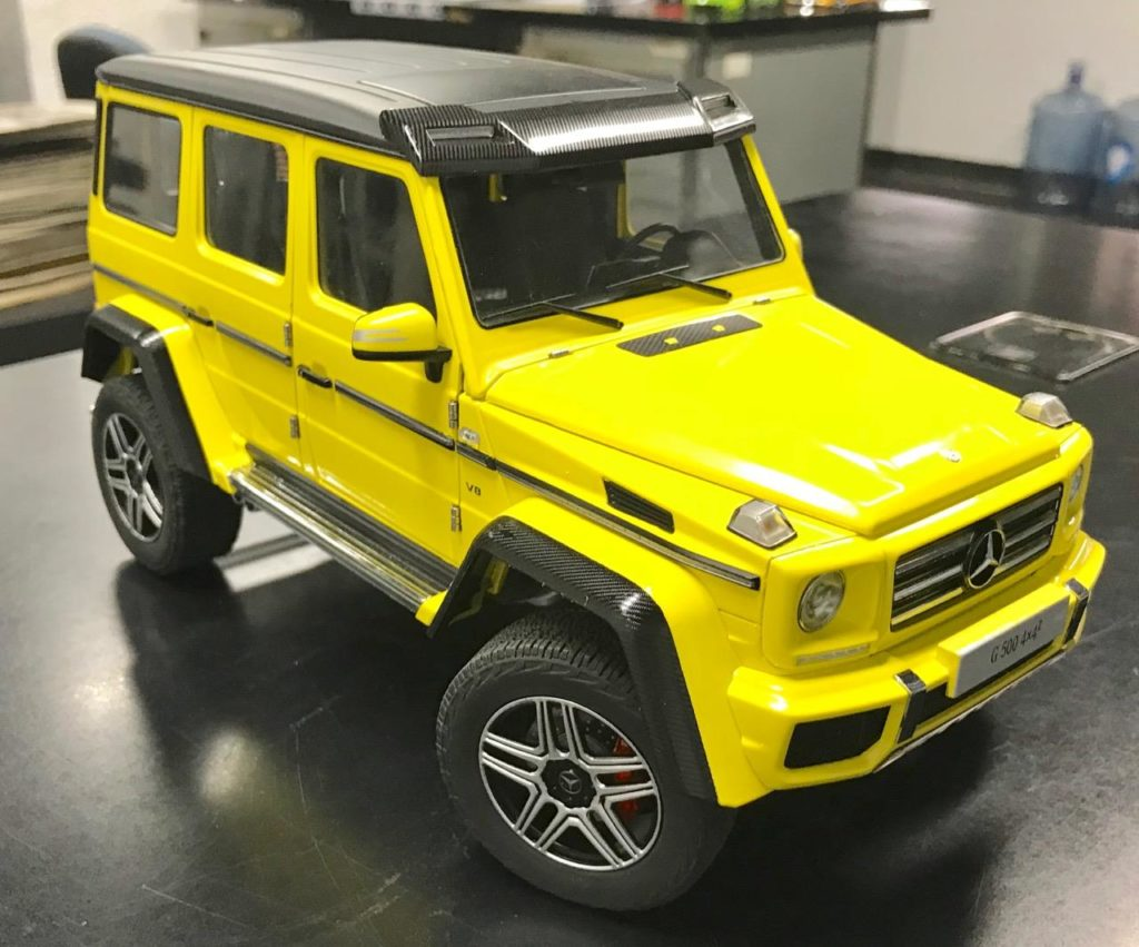AUTOart 1:18 Mercedes Benz-G500 4x4 Squared - Front