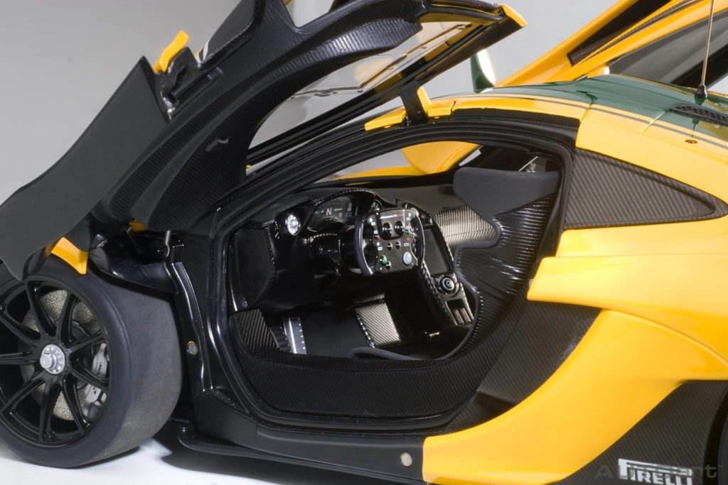 AUTOart McLaren P1 GTR - Interior