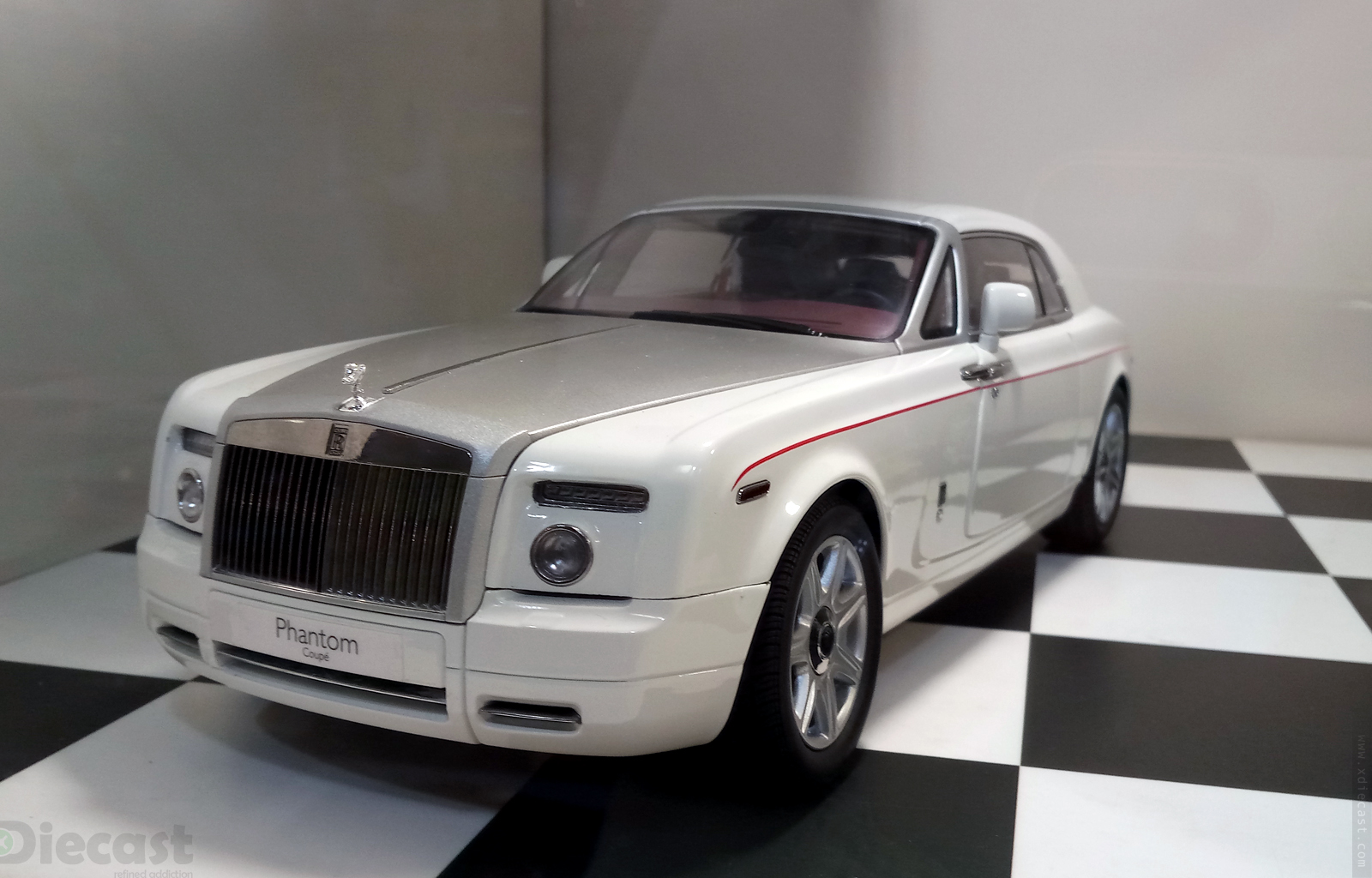 kyosho rolls royce phantom coupe on sale yes its real. Black Bedroom Furniture Sets. Home Design Ideas