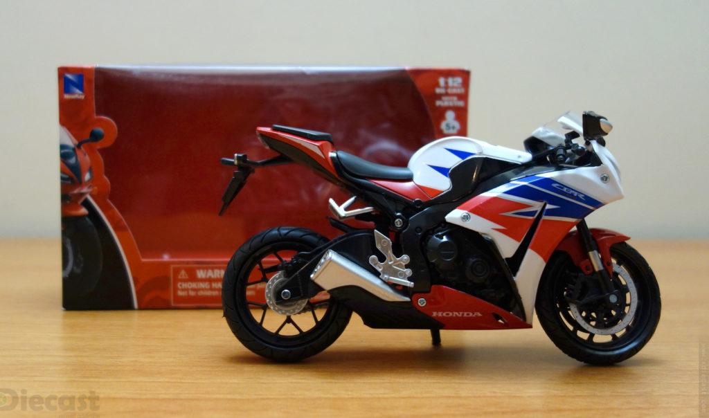 NewRay 2016 Honda CBR1000RR - Unboxed