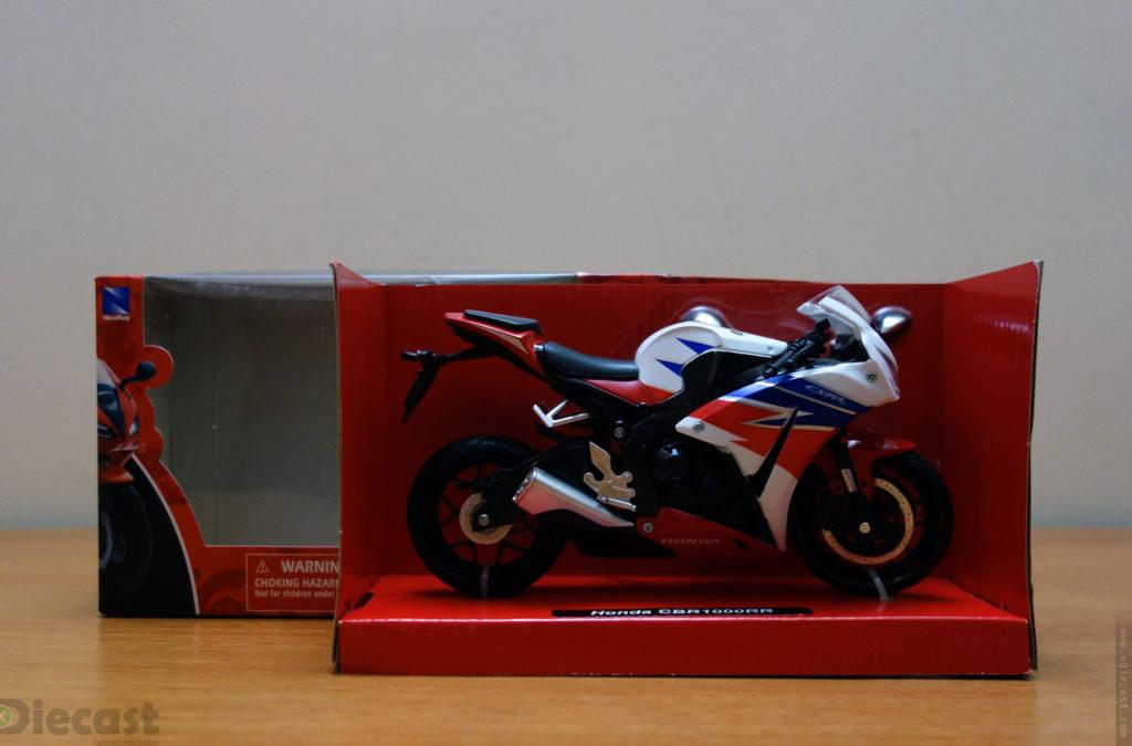 NewRay 2016 Honda CBR1000RR - Unboxing