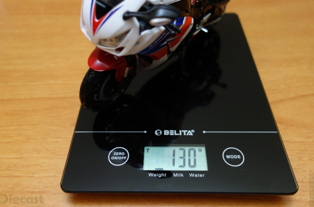 NewRay 2016 Honda CBR1000RR - Weight