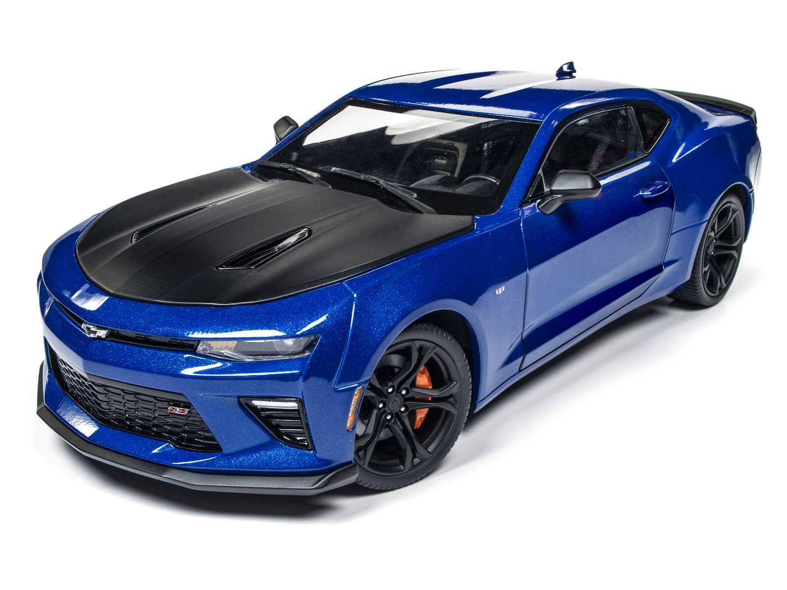 autoworld s 2017 chevrolet camaro ss 1le 50th anniversary limited edition is selling like hot. Black Bedroom Furniture Sets. Home Design Ideas