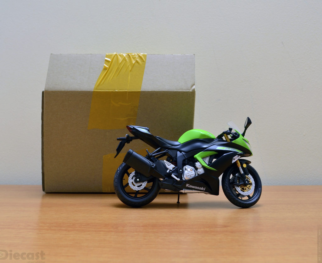 Automaxx 1:12 Kawasaki Ninja ZX6R 2013 – Unboxed
