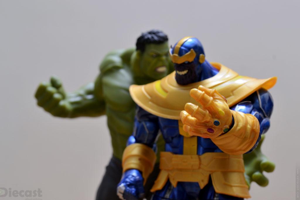 Marvel Legends Series Thanos vs Hulk Figurine Fight