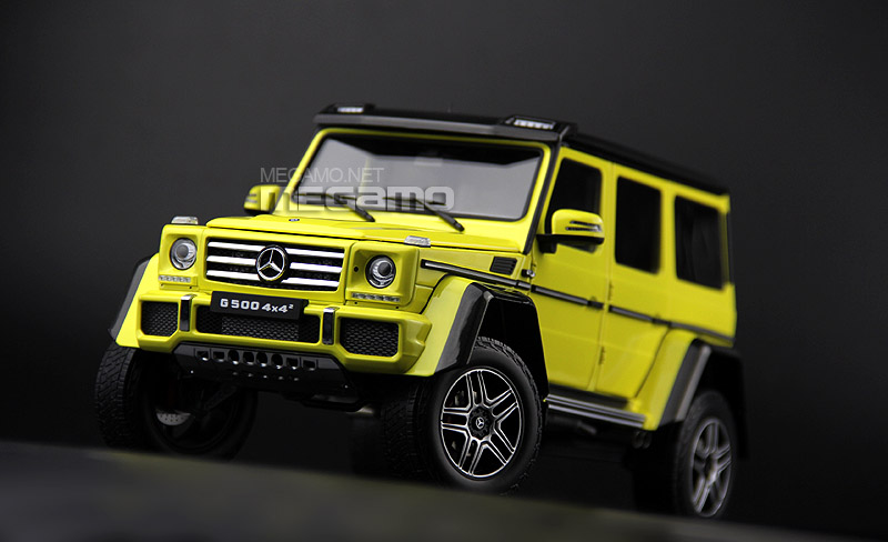 Almost Real 1:18 Mercedes Benz G500 4x4 Squared - Front