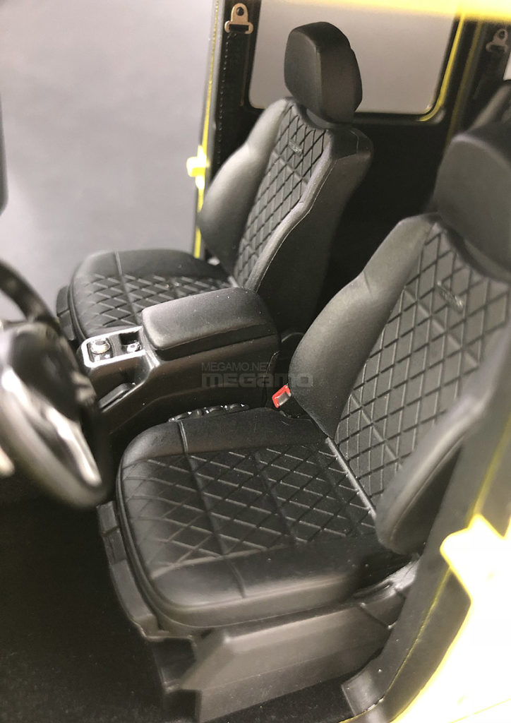 Almost Real 1:18 Mercedes Benz G500 4x4 Squared - Seats