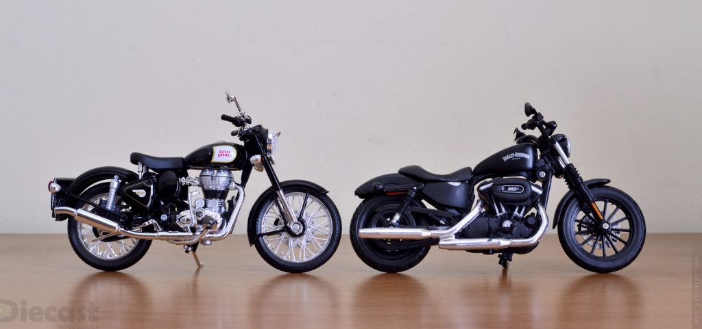 Maisto 1:12 Royal Enfield  Classic 500 Black - Size Comparison