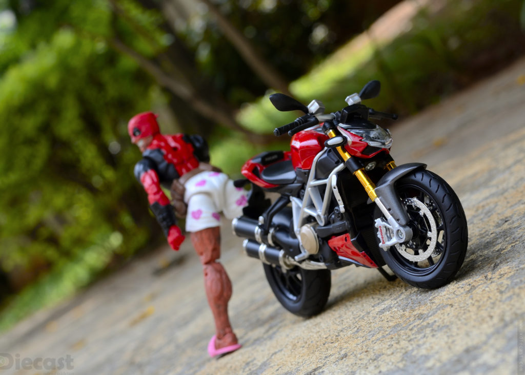 Marvel Legends Deadpool with 1:12 Ducati Streetfighter S