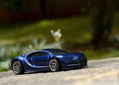 Hot Wheels 16 Bugatti Chiron – Diecast Car Review (1:64)