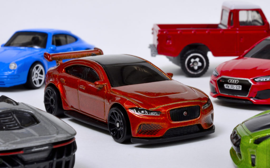Hot Wheels - Jaguar XE SV Project 8